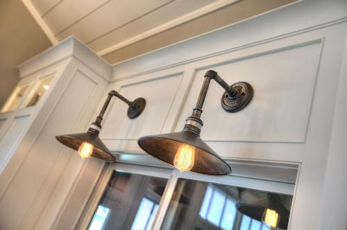 Angela-Goodall-remodel-light-fixtures