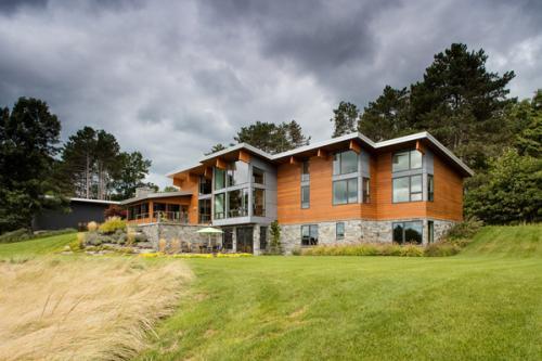 Lucid-Sandcastle-Modern-Lake-Home-2618