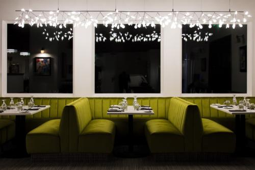 The-Standard-Bistro-night-booth_Synecdoche-Design