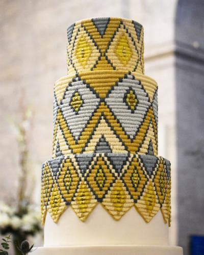 web_Sweet-Heather-Anne-Ethiopian-Basket-Weaving-Wedding-Cake